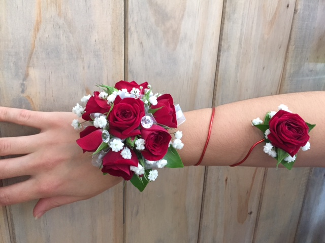 The Deluxe Design, Wired wrap arm band corsage